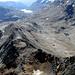 Val Pischa a sinistra, Val Languard a destra. Sullo sfondo il passo del Bernina