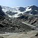 Die Gletscherzunge hat schon fast den Anschluss an den Anschluss zum Nährgebiet verloren.