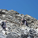 Zwei Urner Bergsteiger im Gipfelaufschwung