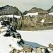 Die eingelagerten Gletscher ziehen sich durch alle Südwände bis zum Doldenhorn.