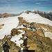 Auf dem höchsten Gipfel des Tages.<br />Blick vom Birghorn auf Kanderfirn und Petersgrat. Darüber die hohen Berner Oberländer Gipfel.