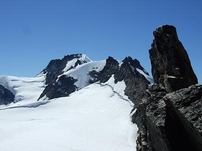 Toller Blick hinüber zur Becca di Montandayne (3838 m) und zum Gran Paradiso (4061 m).