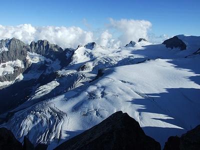 Blick auf das gigantische Gletschermassiv unterhalb der Gran Paradiso Südostwand.