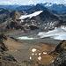Auf dem Zwischengipfel zwischen Tschima da Flix und Piz Picuogl. Die nächsten Gipfel (Piz Traunter Ovas und Piz Surgonda) kenne ich jetzt schon gut. Hinten Piz Julier und Berninagebiet.