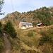 Dopo mezz'ora si raggiunge la bella capanna Bovarina o Boverina a 1870mt