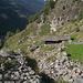 Calanca-Gneis in jeder Form : Verbaut, zusammengefallen, aufgeschichtet, runtergestürzt