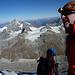über dem Dach mit besorgtem Blick in das Gipfelschneefeld