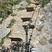 hilfreiche Metallstufen erleichtern das Besteigen