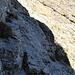 Die plattigen Felsstufen im oberen Teil der Aufstiegsrinne am Drachenberg