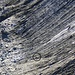 Im Abstieg vom Hörnligrat erkannten wir etwas Grünes (Kreis) welches zusammen mit einem Steinschlag die Matterhorn Ostwand herunterstürzte. Da wir dachten es sei ein abgestürzter Bergsteiger rief Eugen die Bergwacht an. Nach einem Kontrollflug stellte sich zum Glück heraus dass des sich bei dem grünen Ding um eine Isomatte handelte.