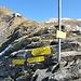 Der Elschesattel stellt ein weiteres Wegekreuz dar; oberhalb die Bergstation der Tauern-Seilbahn und darüber das Hannoverhaus.
