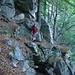 einige exponierte Stellen sind im Aufstieg durch den Wald zu traversieren