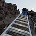 2003: Eine Serie von steilen Leitern