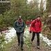 Hannes und Tom, mit flottem Schritt unterwegs - kein Wunder bei dem Wetter ;-)