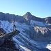 Gipfelnadel inklusive, hoch über dem...
