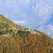 Dai monti di Tremezzo, il pianoro che ospita il Rifugio Alp de Volt (ex Alpe Bene di Sopra)