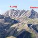 Bättlihorn: Links der namenlose Gipfel P. 2992, rechts das markante und vom Tal aus sichtbare, jedoch kleinere Bättlihorn. Der Aufstieg aufs Bättlihorn erfolgt durch das Couloir links vom Gipfel.