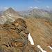 dalla vetta si scorge l'ometto a 3130 m circa, di ben poco meno elevato.