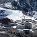 Berghaus Diavolezza und Bergstation der Seilbahn