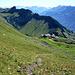 Im Südosten über der Gummi-Alpe werden die 3000er des Susten-Grimsel-gebietes sichtbar.
