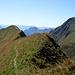 Blick nach Westen vom Arnihaaggen NO-Gipfel - Das Brienzer Rothorn dominiert eindeutig seinen Gebirgszug.