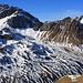 Aussicht von der zirka 2580m hohen Kuppe beim Bocktensee übers Chüealptal zur Plattenflue (3013m) und dem Mittaghorn (2735m). Hinter dem Mittaghorn ist das Älplihorn (3005,6m) zu sehen.