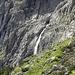 Schones Wasserfall am Einstieg ins Tridentina Klettersteig.