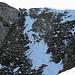 Steiler Abstieg vom Sattel Wiggis-Höchnase auf des Felsband; ich war um Steigeisen & Pickel mehr als froh.