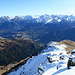 Blick vom Vorgipfel Richtung Südosten, dem Aufstiegsgrat entlang