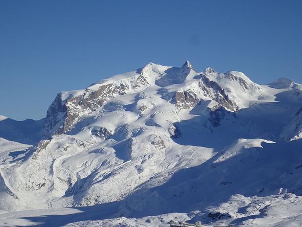 Die Schatten an der Monte Rosa sind lang