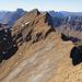 Blick vom Gumenstock auf das Restprogramm, gut zu sehen der Felsaufschwung im Ostgrat des Chli Gumen.