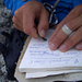 Etwas schwieriger Gipfelbucheintrag mangels Schreibzeug... :-)