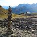 Steinmann vor imposantem Panorama <br />hier gäbs noch genügend Material für weitere Gesellen