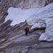 Querung unter den letzten Resten des Badile-Gletschers