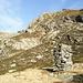 Il parallelepipedo da cui si stacca la via di salita per il Morisciolo e per la Cima d'Erbea