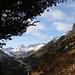 Die Wolken verziehen sich und machen dem blauen Himmel Platz :-)<br />In der Verlängerung des Val Bever der Piz Picuogl