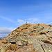 Omino a 2200mt, a nord il ripido versante che scende al passo dei laghetti