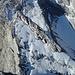 Tiefblick zum Kind Nr. 5(2225m); die Fläche dahinter ist die im Winter so beliebte Skischarte