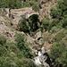 Unterwegs in Fondales (Hinweg) - Blick zur alten Brücke über den Río Trevélez.