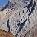 Eine beeindruckende Felsflanke auf dem Weg zum Fukang Glacier
