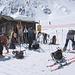 All'arrivo dello skilift di Fontanesses mettiamo le pelli agli sci.