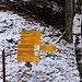 Parcheggio del bacino in Val d'Ambra a 618mt. Molte le destinazioni possibili, tra cui la possibilità di scendere a Frasco in Val Verzasca passando dal Passo del Gagnone e la capanna Efra