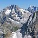 Oberalpstock, Tödi (rechts im Hintergrund) und Piz Nair (rechts im Vordergrund)
