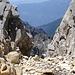 ungemein interessante Gesteinsfarben geben diesem Berg seinen außergewöhnlichen Charakter