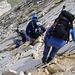 der Abstieg am Normalweg erfordert ein besonderes Maß an Vosicht; weißer Marmor überall