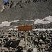 """Im Aufstieg zum Mount Sneffels (13.07.2009) - Hier teilt sich der Weg. Der Pfad links führt in Richtung Blue Lakes (Pass). Rechts geht's zum Mount Sneffels. Dass wir demnächst reichlich Geröll """"genießen"""" können, ist """"langsam"""" zu erahnen."""