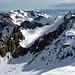 Gesehen vom Albristhorn. Vom Sattel, rechts der Bildmitte, der westseitige Schlussanstieg zum Gipfel.