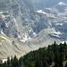 Über diese Moräne führt der Aufstiegsweg zur Dossenhütte.
