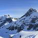 Die hohen Urner verdecken die Sicht ins Bünderland! Wir konnten vom Mittler Griessstock keinen einzigen Bünder Gipfel ausmachen. Was wir als Schesaplana zu erkennen glaubten, liess sich im [http://www.udeuschle.de/Panoramen.html Nachhinein] als Zitterklapfen identifizieren. -> [http://www.hikr.org/gallery/photo699410.html#c87395 Corrigendum]