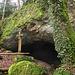 Die Höhle von aussen.